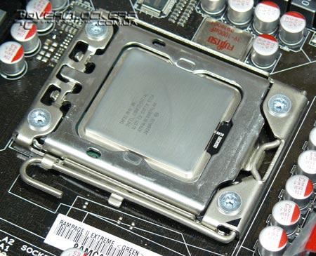 Socket LGA1366