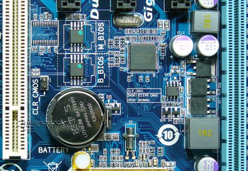 Микросхемы BIOS платы Gigabyte GA-EP43-DS3L