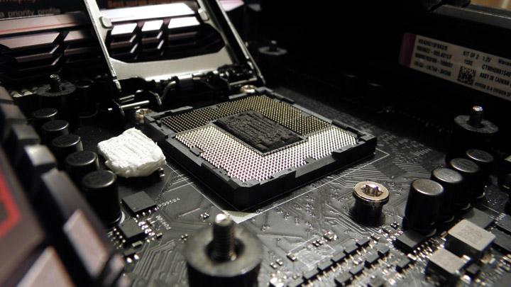Прогиб текстолита Core i5-6600K: наш печальный опыт