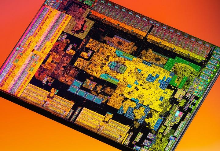 Фото «голых» кристаллов в составе процессора Ryzen 5 3600