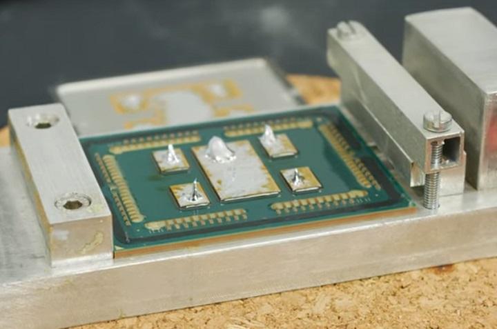 Der8auer принялся «скальпировать» 7-нм AMD Ryzen Threadripper