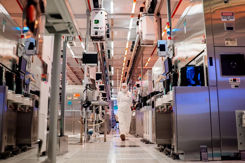 Гонка нанометров: Intel переименует собственные техпроцессы, чтобы догнать конкурентов