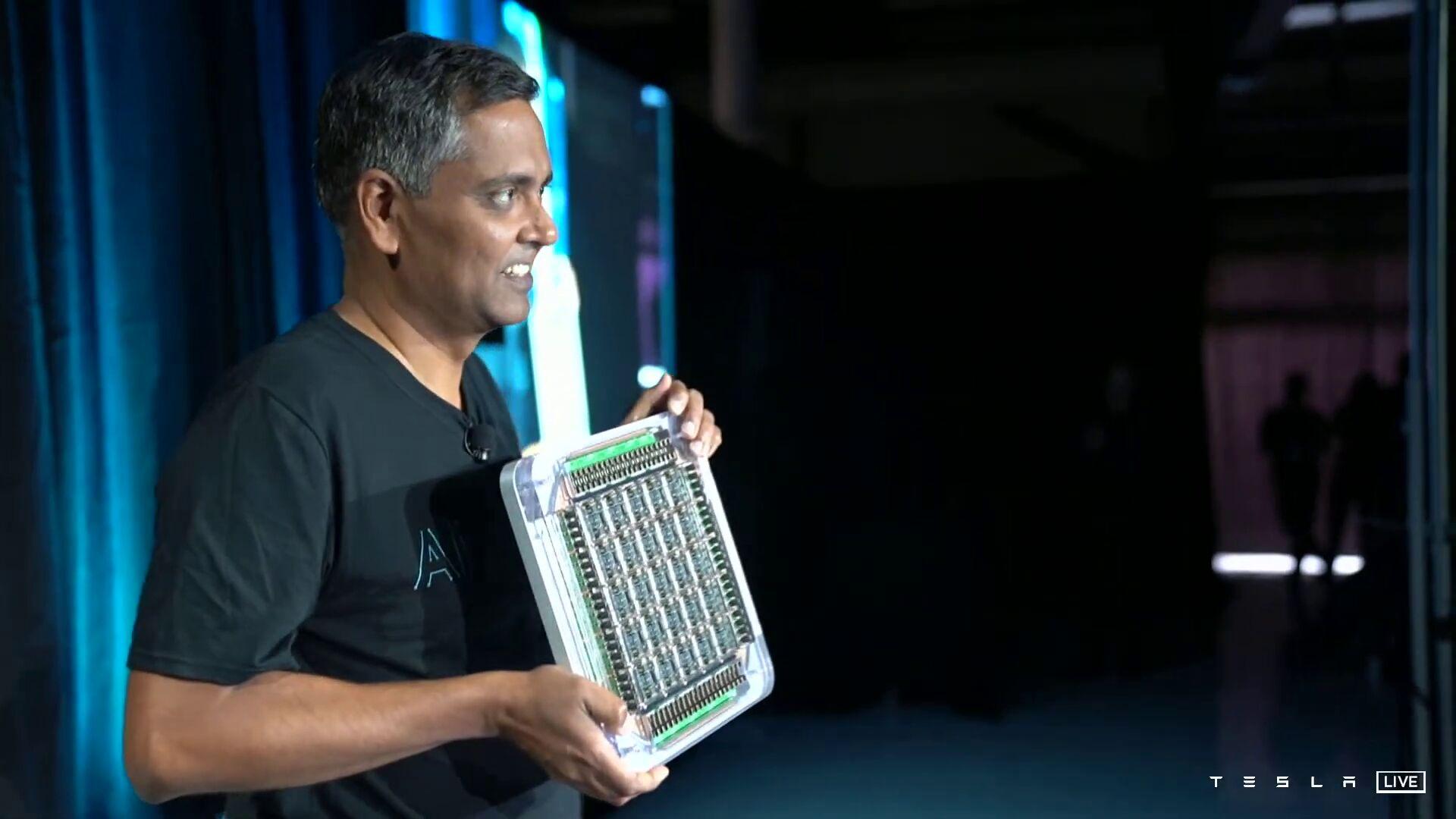 Tesla D1 — чип для суперкомпьютеров с производительностью 362 Тфлопс