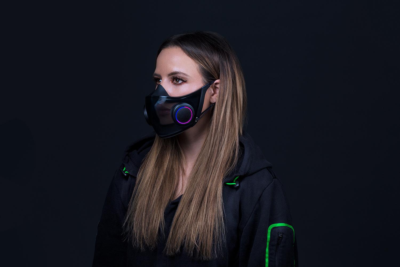 Razer выпустит маску для лица с микрофоном, активным фильтром и RGB-подсветкой