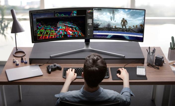 Компания Самсунг создала широкоформатный 49-дюймовый монитор для игроков