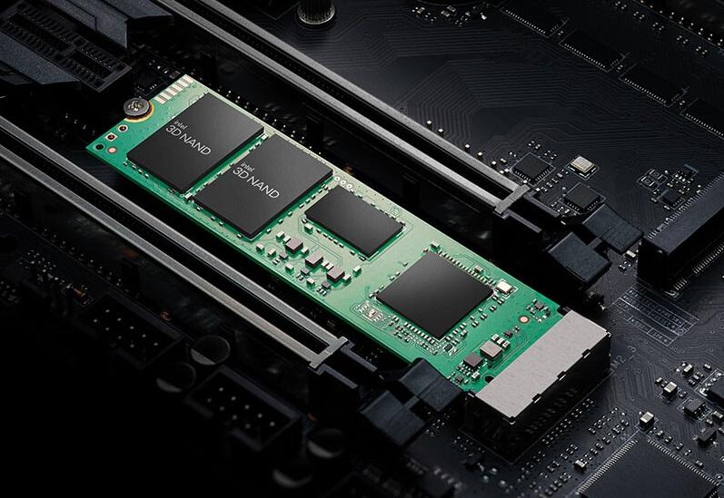 Intel выпустила линейку NVMe-накопителей SSD 670p с памятью 3D NAND QLC
