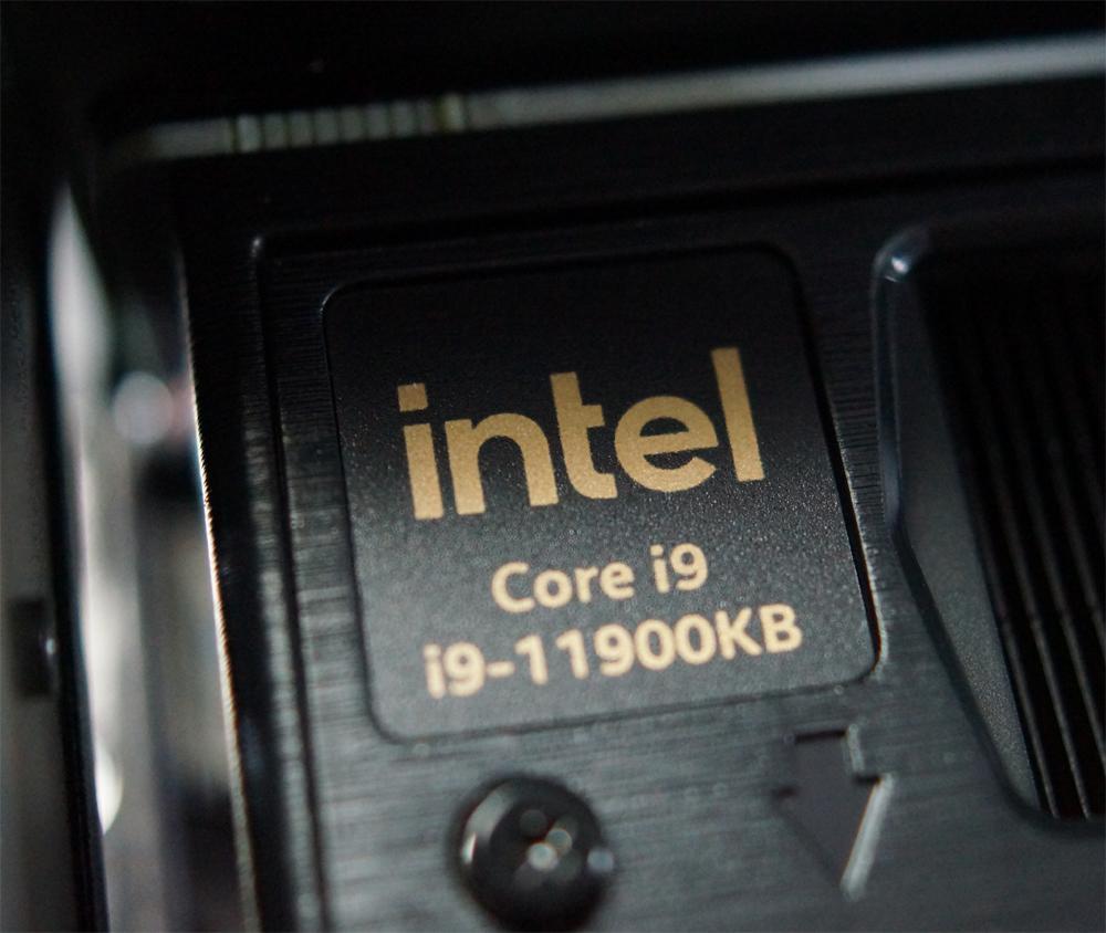 Первый взгляд на «внутренности» Intel NUC 11 Extreme (Beast Canyon)