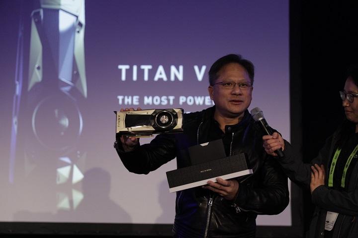 NVIDIA Titan V: представлена «самая мощная видеокарта вистории» за200 000 руб.