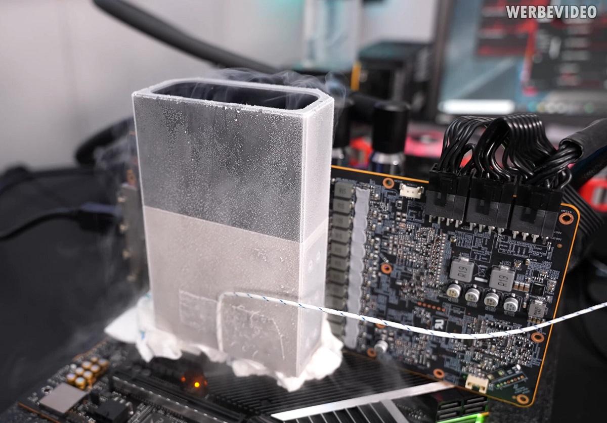 Der8auer разогнал видеокарту Radeon RX 6900 XT до 3225 МГц по ядру