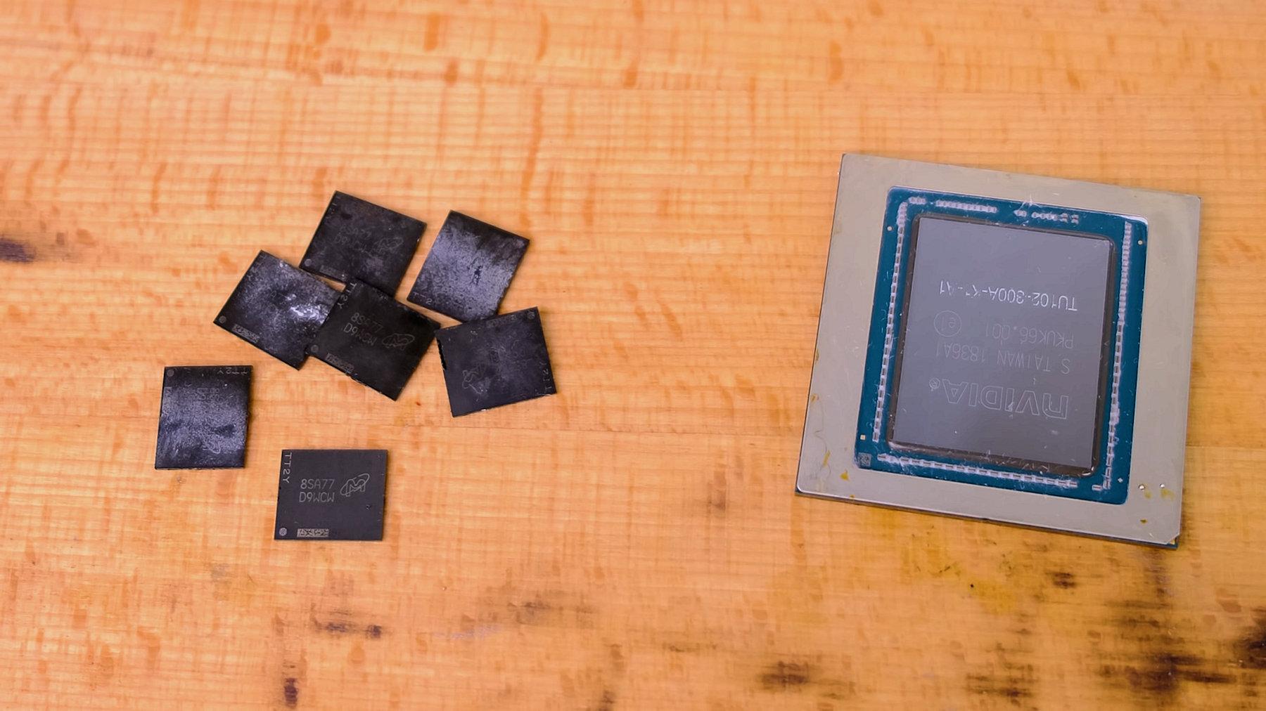 Видеокарта GeForce RTX 2080 Ti поддерживает установку 22 Гбайт памяти GDDR6