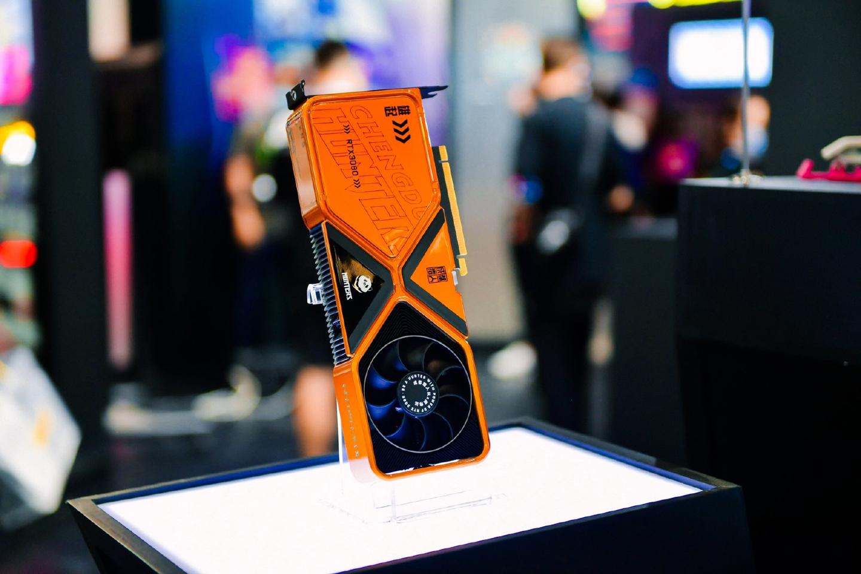 Nvidia показала несколько уникальных вариантов GeForce RTX 3080