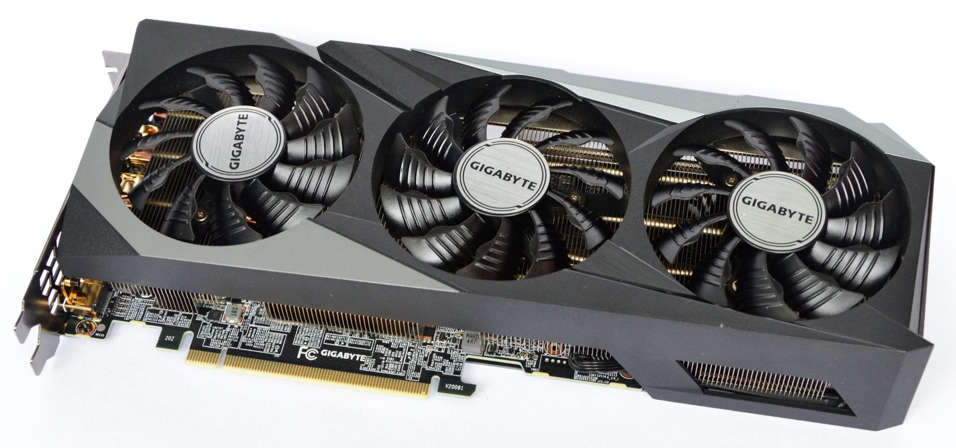 Спустя год ритейлер выполнил заказ на GeForce RTX 3080. Для этого клиенту потребовалось отправить торт